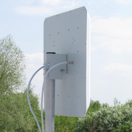 Панельная антенна AGATA-F MIMO 2x2 17Дб